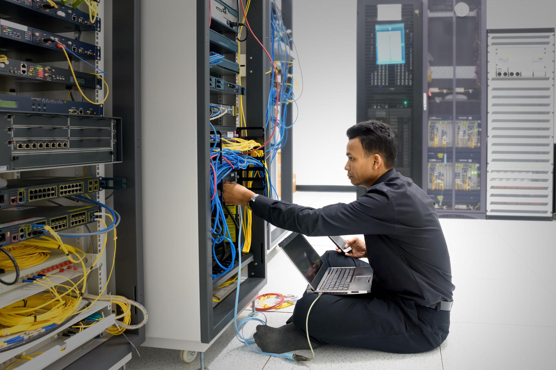 metier-technicien-assistance-informatique
